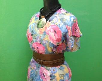 90s. Silk dress. Tailored silk dress. Tailored dress in flower print. Silk dress.