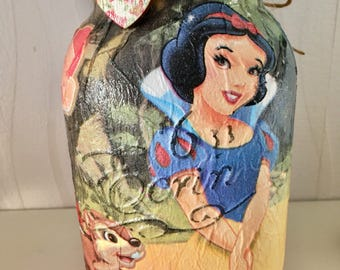 Snow White hand decorated mason jar, disney gifts, home decor, childrens gift, mothers day