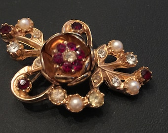 SALE!!  Vintage TREMBLER Brooch Gold Tone with Red Rhinestones Faux Pearls similar to the CORO Camelia Tremblers 1940's