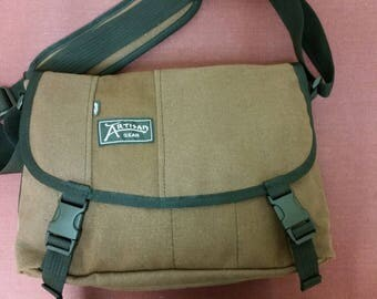 Hermes Messenger Bag (Cocoa Brown Hemp Canvas)
