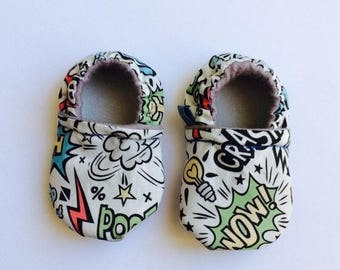 Superhero // BD // Baby booties // Baby slippers // Crib Shoes