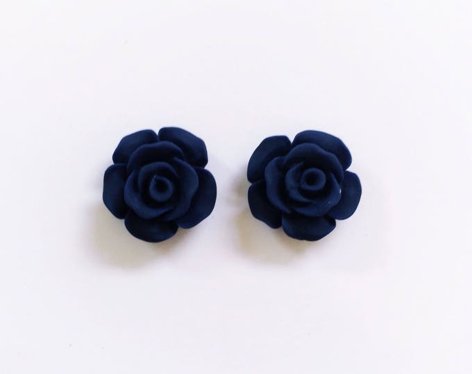 The 'Amanda' Flower Earring Studs