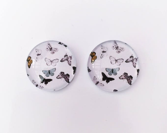 The 'Laura' Glass Earring Studs