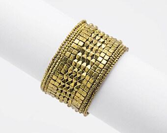 Vintage bracelet, gold metal bangle, retro gold metal bracelet, gold style bracelet, gold bangle, beaded bracelet, vintage  bangle