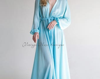 Beautiful satin robe with lace 'Model 3'