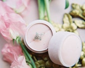 Velvet ring box - vintage style - light dusty pink