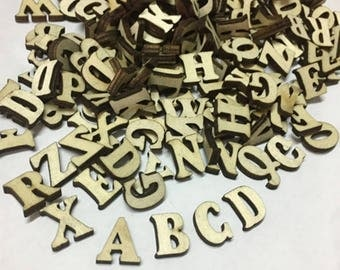 100X  Pcs Rustic Wooden Letters Wedding Party Table Scatter Wood Decoration Crafts 1,5 CM