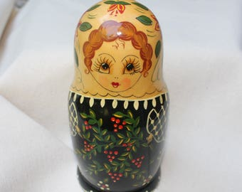 Sale & Free Shipping! Russian Nesting Doll Hand Painted 1992