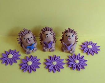 Hedgehog edible cake toppers, set of 3 with 5 flowers