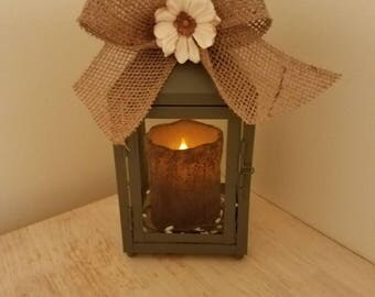 Small lantern with timer candle