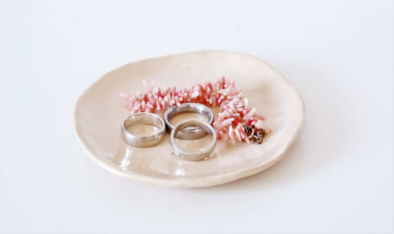 """boho ring shell """"rings and things"""" jewellery shell jewellery storage ceramic Pastel pink D 12 cm"""