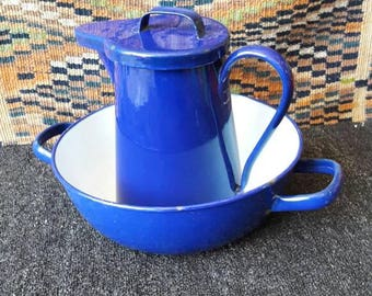 Basin and pitcher blue enamelled