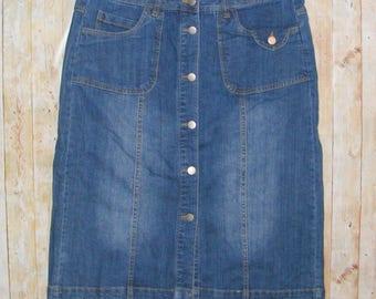 Size 16 vintage 70s button front calf length pencil skirt dark blue denim (HS01)