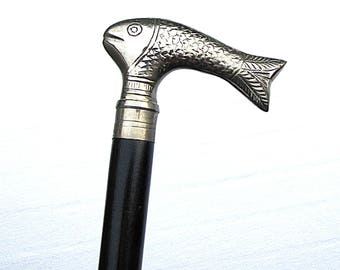 Vintage walking cane / walking stick; with handle depicting a fish