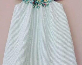 Joyful and frill collar liberty dress in green seersucker. size 2 years