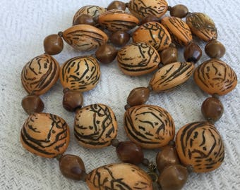 Natural Seeds Slection Necklace