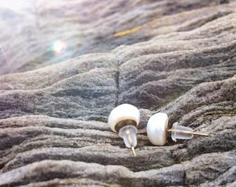 Pearl stud earrings | Bridesmaids gift