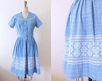 Vintage 1950s blue plaid cotton day dress with embroidery | 50's rockabilly dress | 50s cotton dress | fit and flare | peter pan collar | M