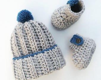 Baby boy gift set, New baby gift, Crochet baby gift, Newborn baby set, Baby shower gift, Crochet bobble hat, Crochet baby booties