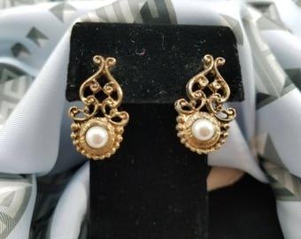 Classic & Elegant Gold Tone Filigree Pierced Earrings with Faux Pearl