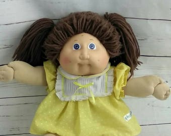 Vintage 1984 Cabbage Patch Doll OAA, brown hair blue eyes, Xavier Roberts