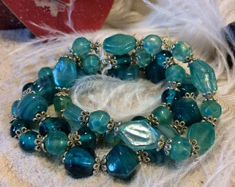 Stackable glass bead bracelet
