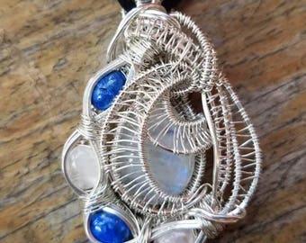 Moonstone with 2x rose quartz and 2x lapis