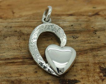 Sterling Silver Heart Within a Heart Pendant with free chain (M12)