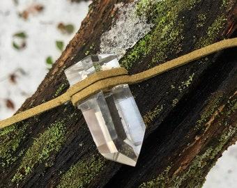 Polished quartz choker
