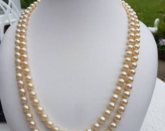 Pretty Opera length knotted pearl vintage necklace - classic and versatile long pearl necklace