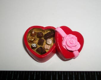 22mm ~ Dollhouse Miniature Handcrafted Valentines Day Heart Chocolate Candy Sweet Dessert Doll Food 914