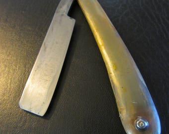 Shave Ready Straight Razor - Wade & Butcher
