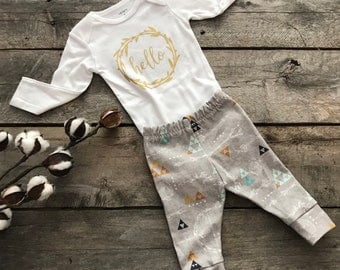 Triangles and arrows baby leggings; hello onsie; take home outfit; baby shower gift