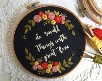 Embroidery hoop,Embroidery art,Hand embroidery,Floral embroidery,Embroidery hoop art,Modern embroidery,Home decor,Personalized custom order