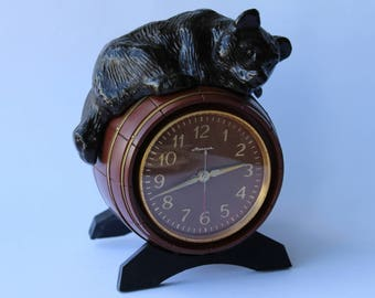 Soviet mantel clock Bear. Molnija table clock. Desk clock USSR. Mechanical clock. Working clock. Molnija