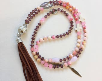 Necklace of pearls and stones to the scientist mix color pink grey and cream, boho chic