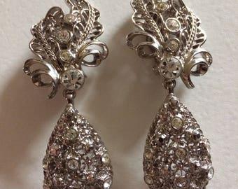 JOSE BARRERA* Sublime Versatile Elegance Dangle Clip On Earrings