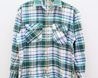 Vintage WRANGLER American Manufacturer Of Jeans And Other Clothing Green Buttondown Checkered Flannel Oxford Size L