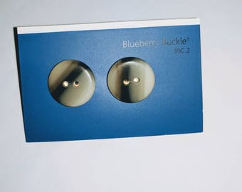 Little dandies - recycled button earrings