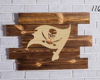 Tampa Bay Buccaneers Wood Sign Tampa Bay Buccaneers Wall art Tampa Bay Buccaneers Gift Tampa Bay Buccaneers Birthday