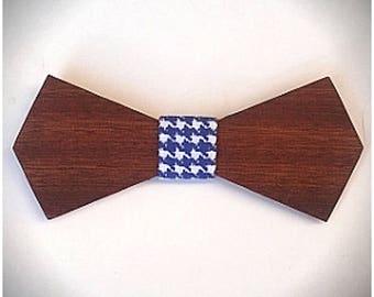 WINDSOR. Nœud papillon en bois d'acajou, revêtu d'un tissu pied de poule bleu. Pour Homme. Cadeau pour papa.