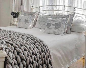 Double bed runner