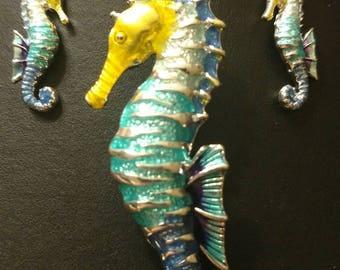 Seahorse pendant set