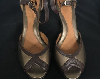 Vintage Bronze with Brown Trim Peep Toe