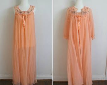 Sweet Dreams Night Set - 60s pastel orange nightgown and robe set, small