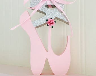 Ballet slippers shelf decoration