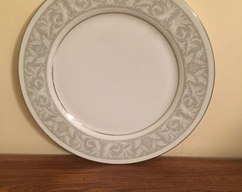 """Imperial China Whitney Pattern 5671 Dinner Plate 10 3/8"""""""