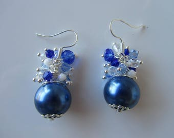 "Blue Pearl and bicone Crystal cluster earrings ""Nilasha"""