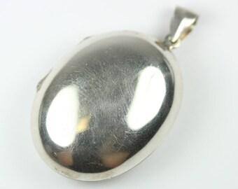 Large Vintage 925 Sterling Silver Oval Locket