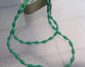 Green Jade Bead Necklace (Acrylic)
